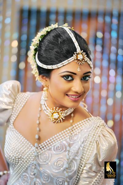 Modern Kandyan Style Brides Dress Making Derss Designing